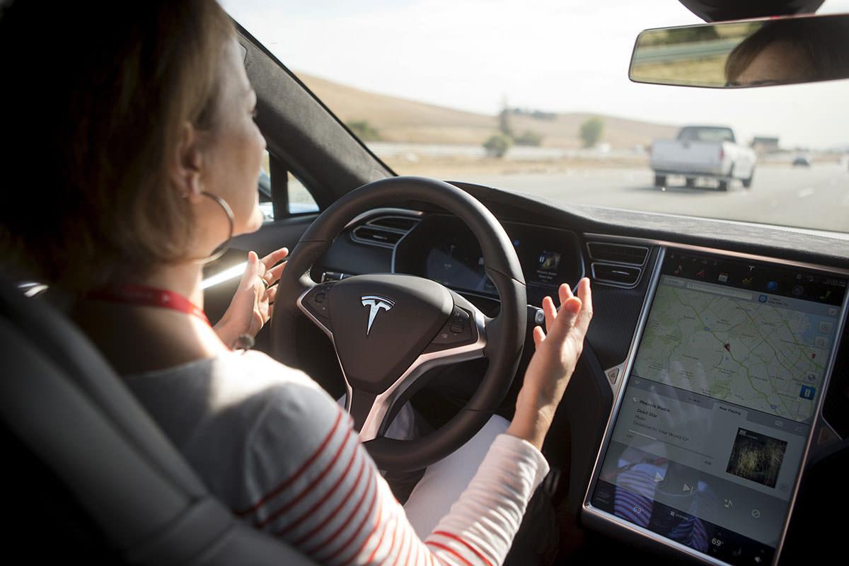 Que porcentaje de los consumidores compraría un vehículo autónomo