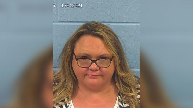 Maestra acusada de violación en el condado de Etowah