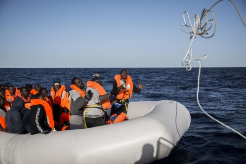 Rescatados 500 inmigrantes y recuperados ocho cadáveres en el Mediterráneo