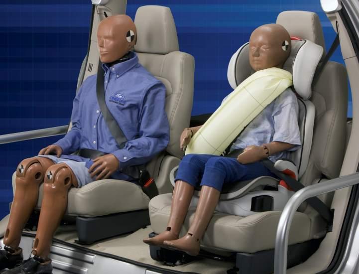 Si usted está montado en el asiento trasero, estará más seguro en un accidente?