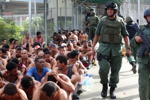 Al menos 37 muertos en la toma de un penal en Venezuela