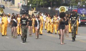 La banda del Wenonah High School, pide la ayuda de la comunidad para substituir sus viejos uniformes