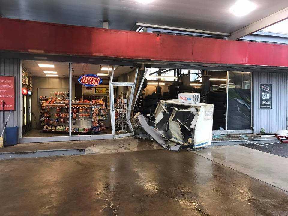 Estación Texaco de Tuscaloosa, golpeada por un vehículo