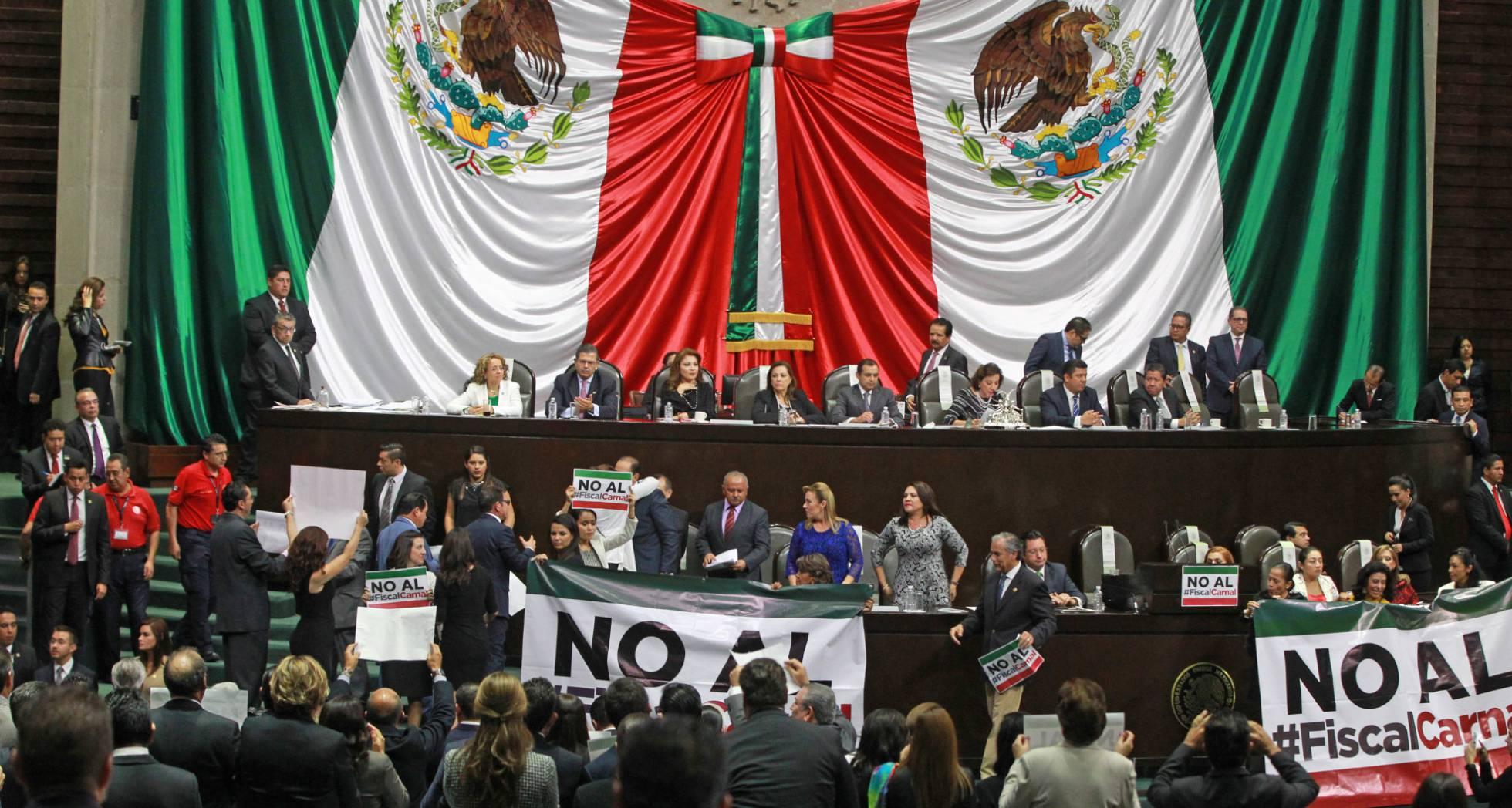 La elección del fiscal abre una crisis política en México