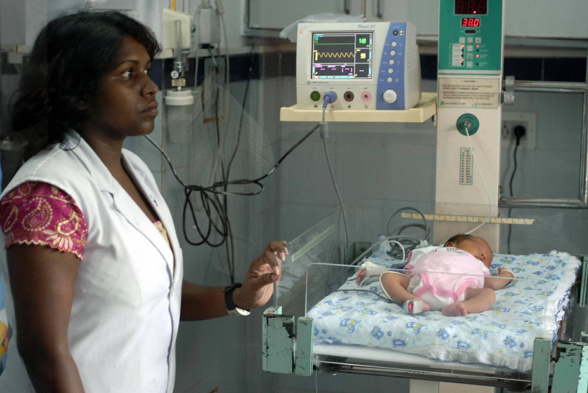 India pretende cerrar la puerta a la maternidad subrogada a gais y extranjeros