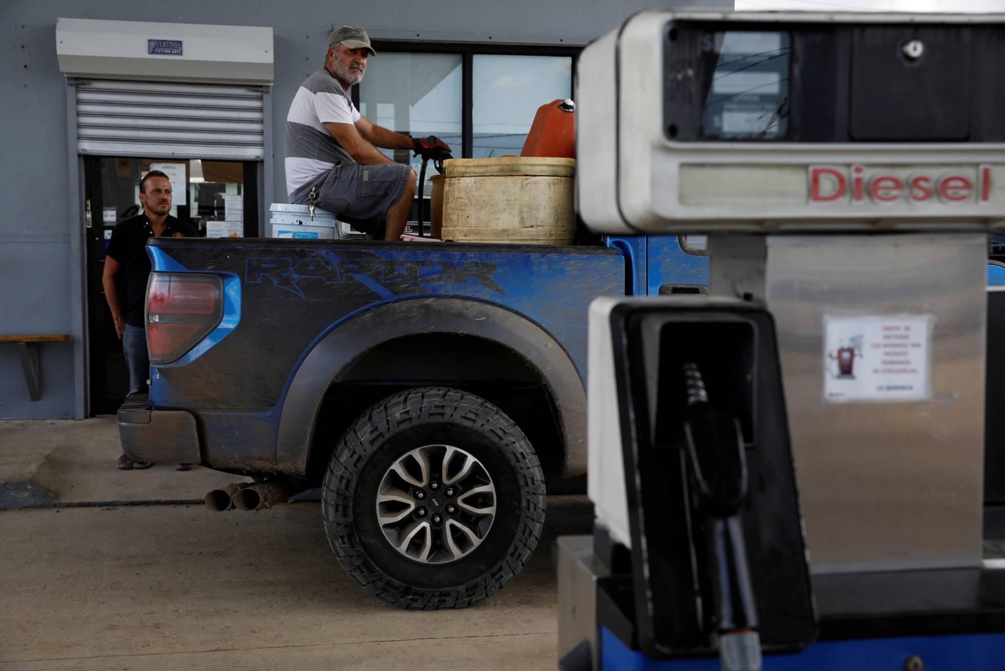 La falta de diésel y gasolina enloquece a Puerto Rico
