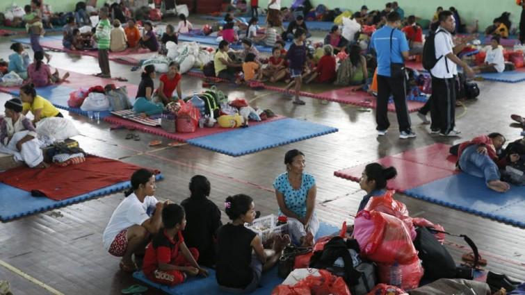 Evacuadas en Indonesia miles de personas por el riesgo de erupción de un volcán