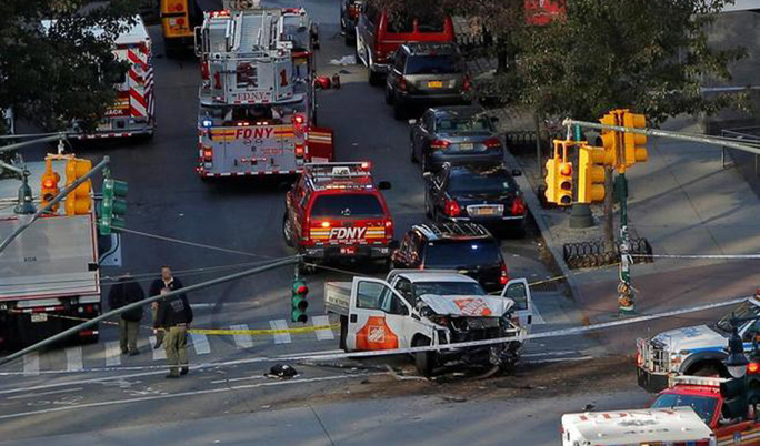 Atropello en Nueva York, hablan de al menos seis muertos y 15 heridos
