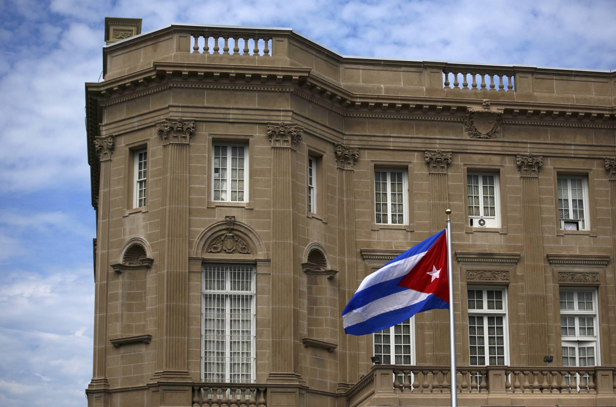 EE UU expulsa a 15 diplomáticos cubanos tras los misteriosos ataques sónicos