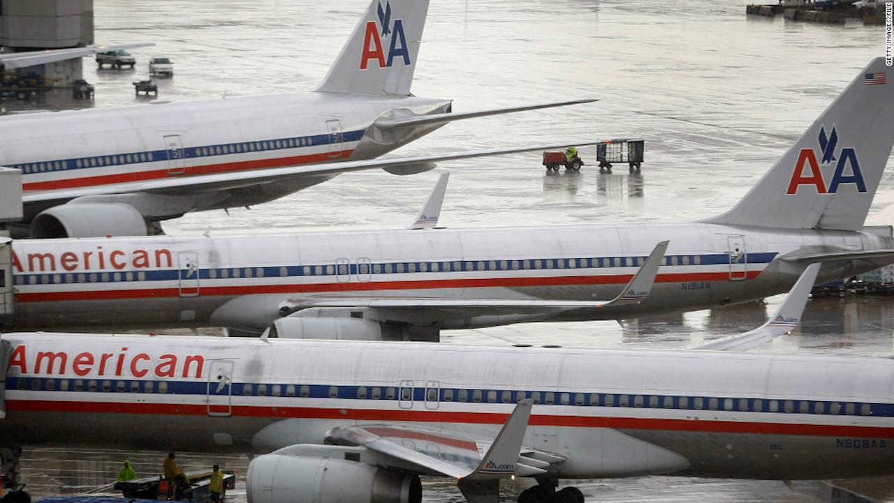 Recomiendan a pasajeros negros en EE.UU. que no viajen con American Airlines