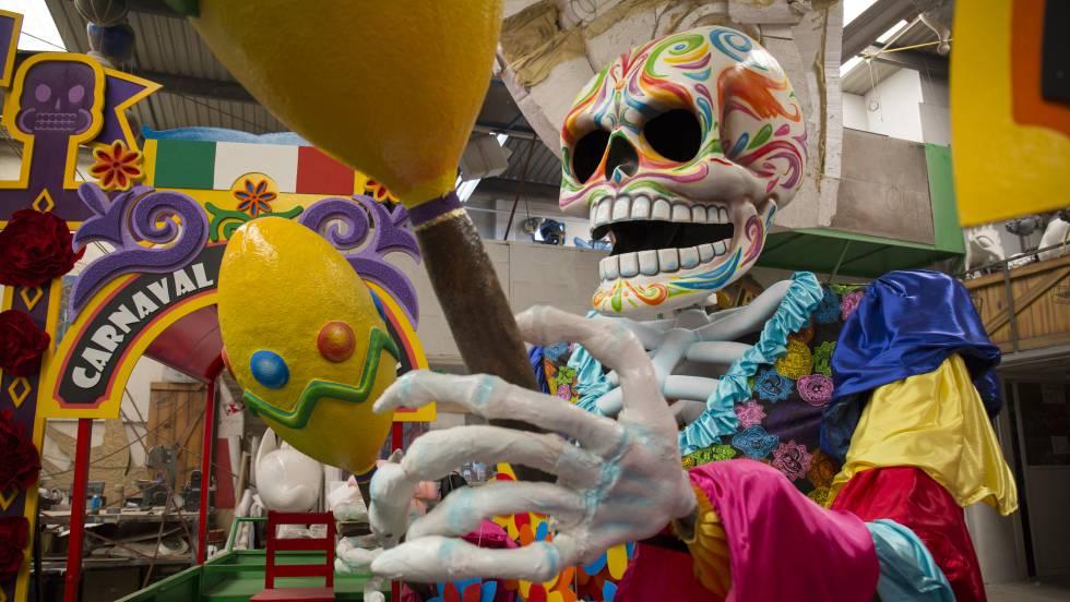 El desfile del Día de Muertos en la Ciudad de México, una tradición que dejó James Bond
