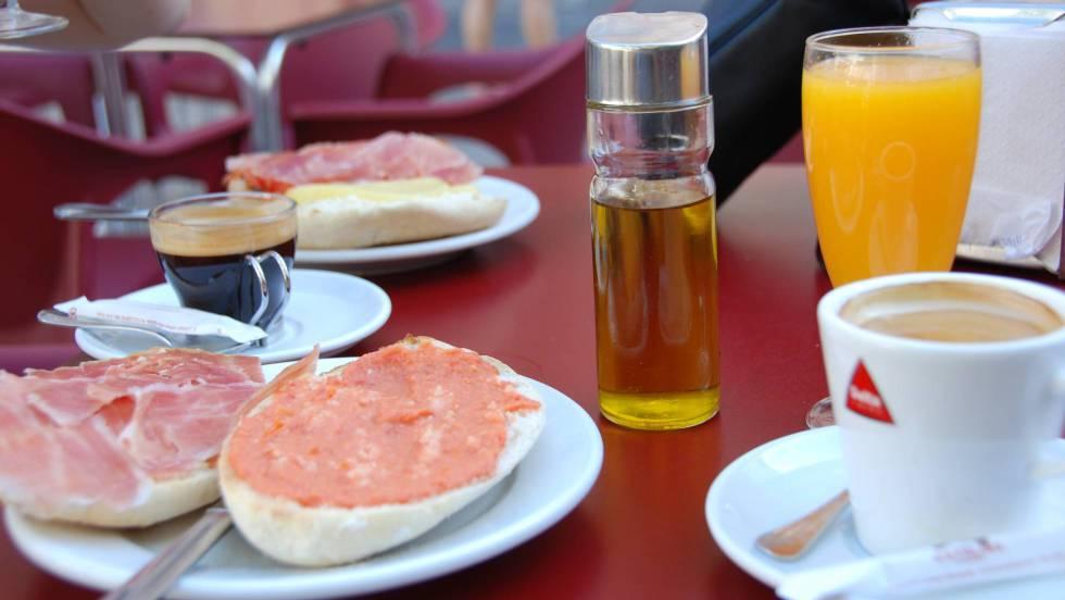 Las personas que no desayunan acumulan más grasa en las arterias