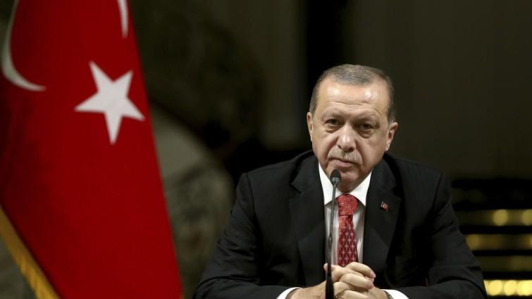 Cadenas perpetuas para 34 militares acusados de intentar matar a Erdogan