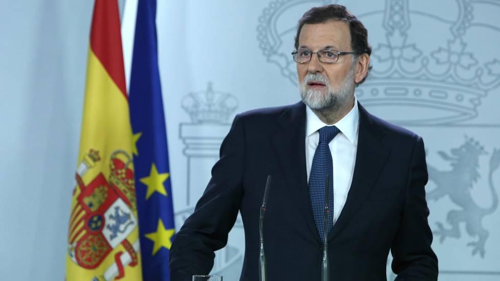 Rajoy exige a Puigdemont que explique si declaró la independencia para actuar