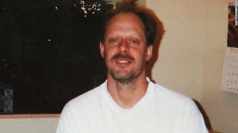 Arrestan al hermano del atacante de Las Vegas por tenencia de pornografía infantil