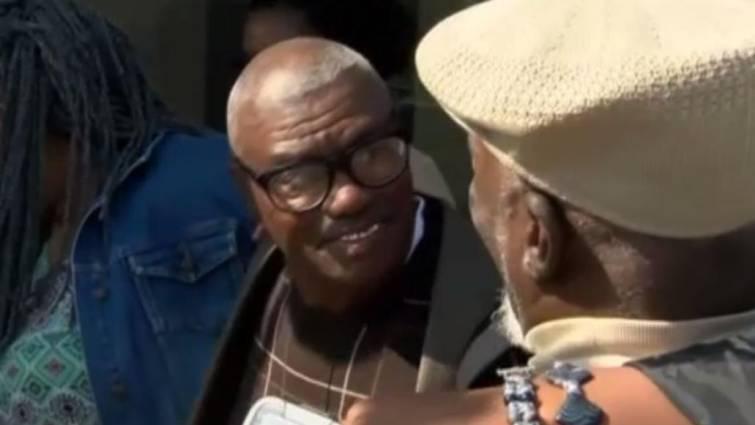 Liberan a un hombre en EEUU erróneamente condenado tras 46 años en prisión