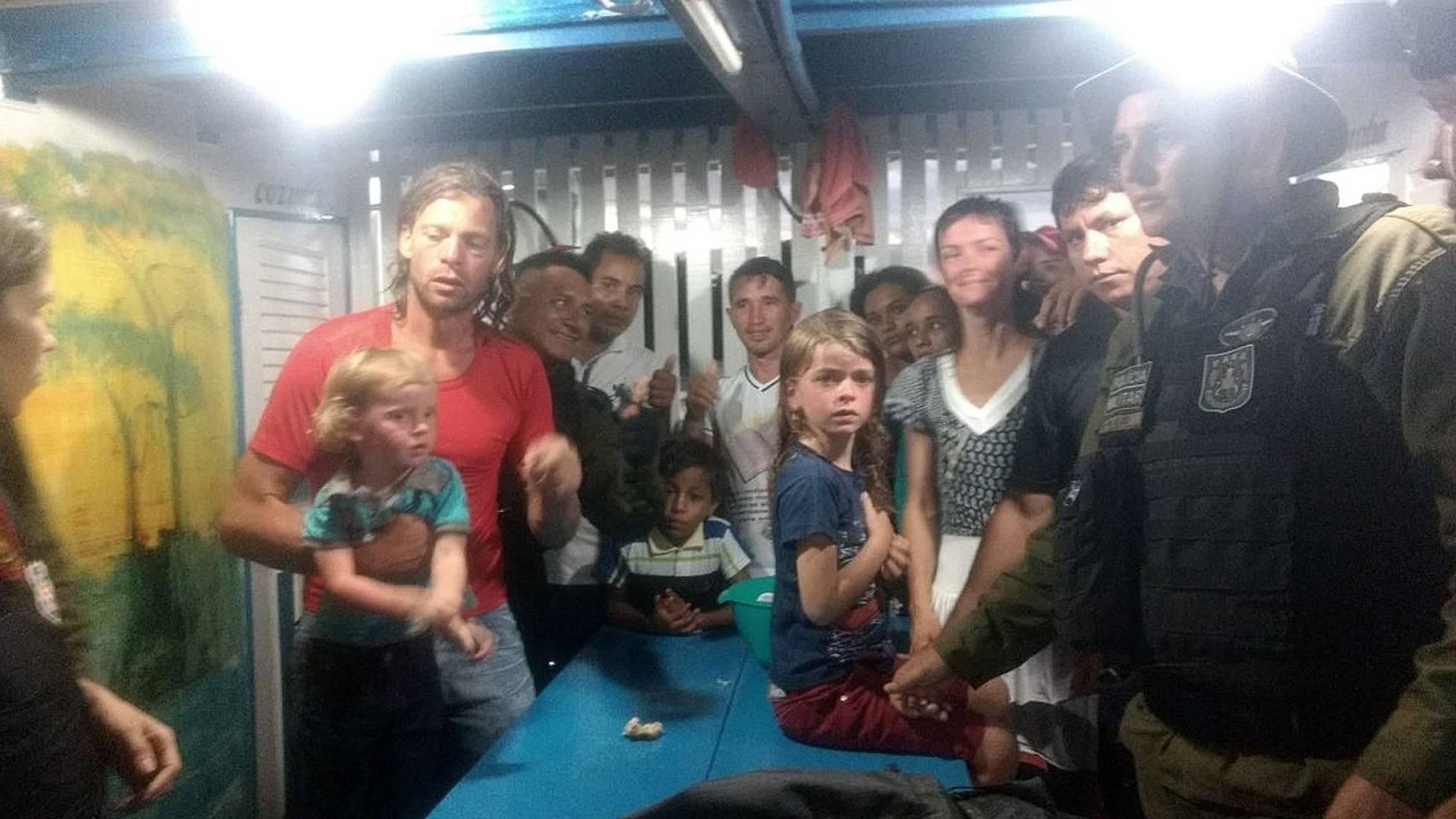 La policía brasileña encuentra en la selva a la familia estadounidense asaltada por piratas