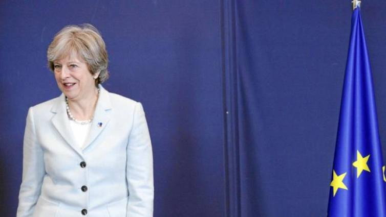May se niega a fijar la frontera irlandesa hasta pactar un acuerdo comercial