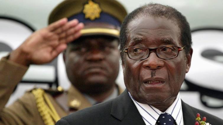 Mugabe dimite tras 37 años como presidente de Zimbabue