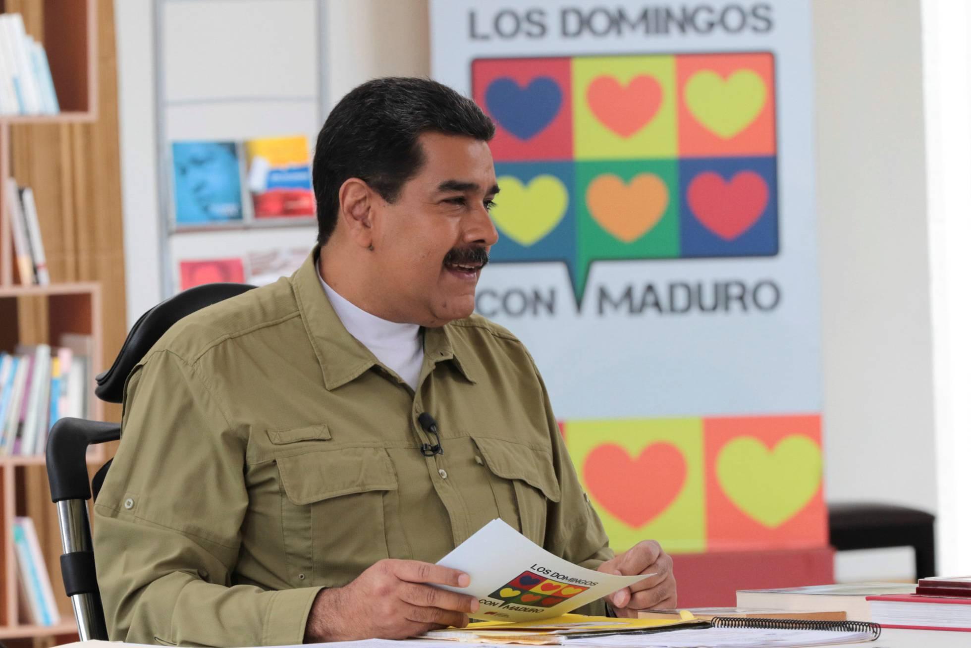 Maduro eleva la tensión con Colombia al culpar al país de la escasez de medicinas