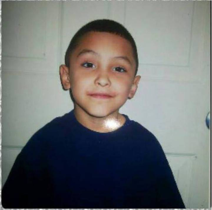 Niño de ocho años torturado hasta morir en su propia casa