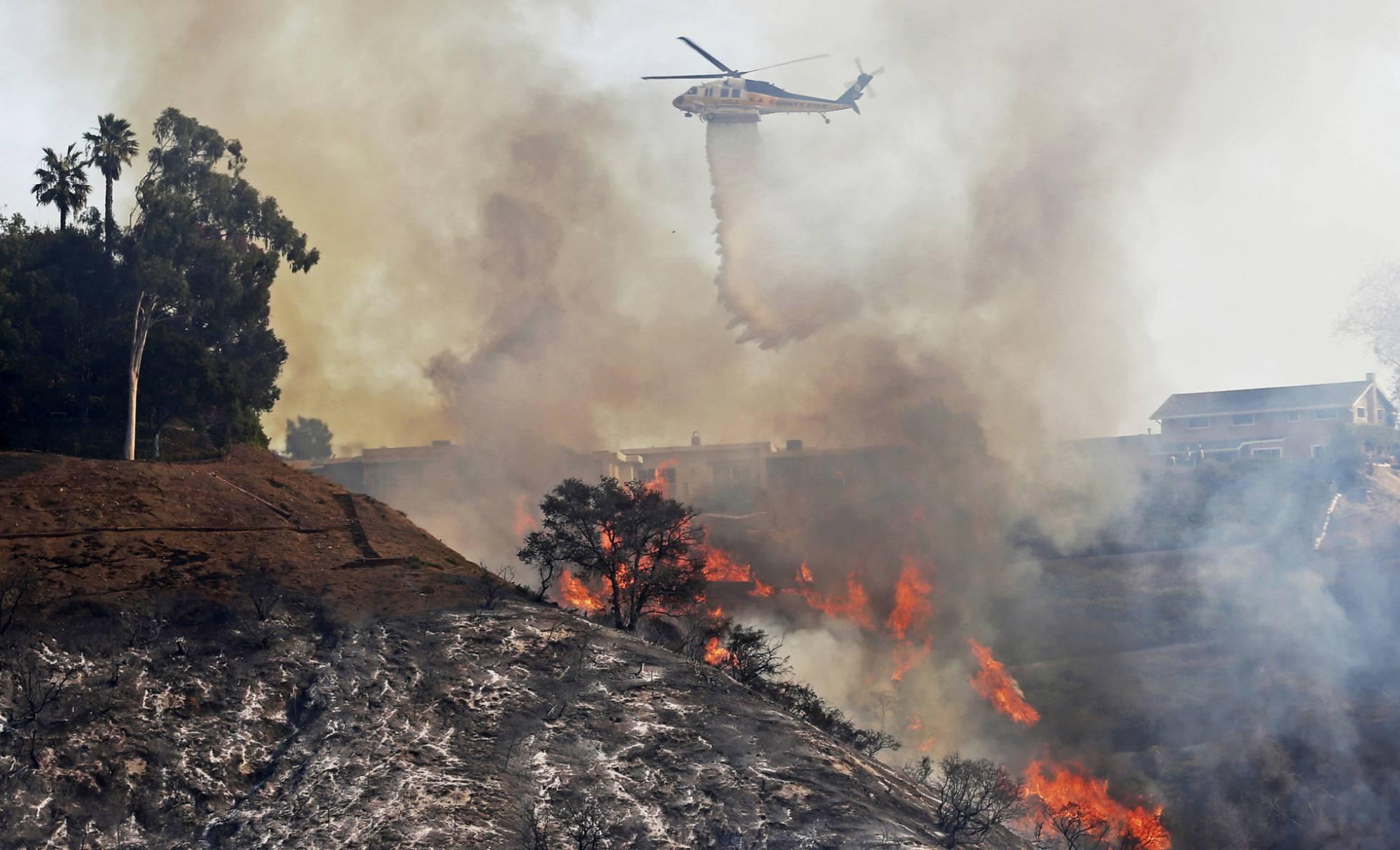 La cifra de evacuados por los incendios en California asciende a 230.000 personas