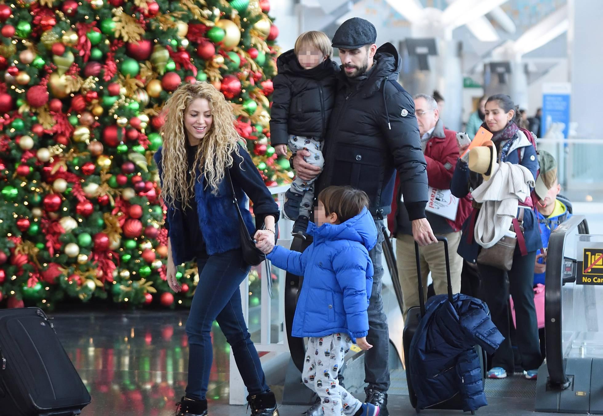 Piqué mima a Shakira en su escapada navideña a Nueva York