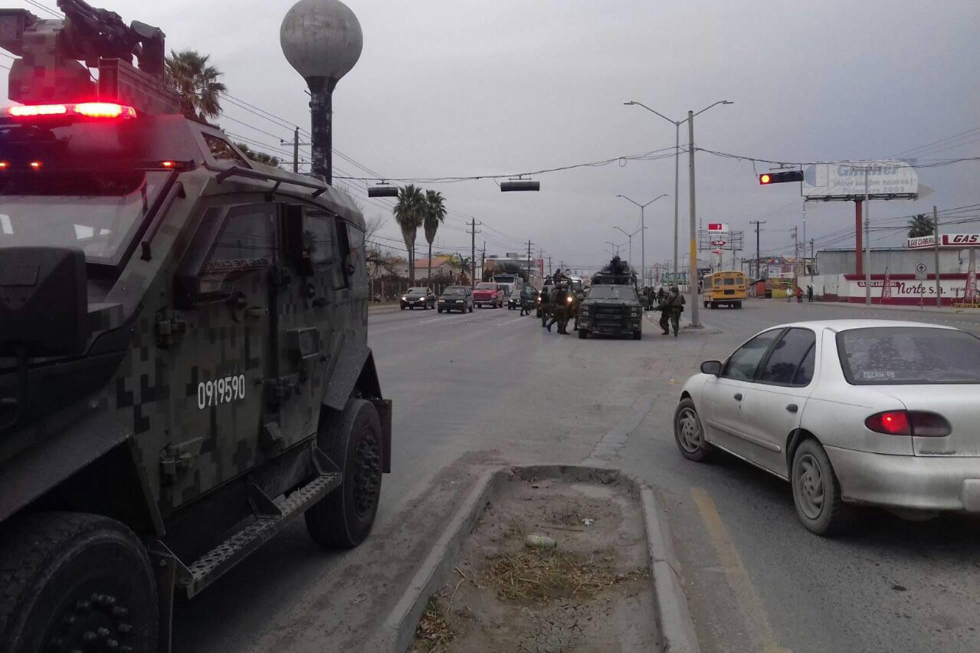 Siete muertos en dos días de balaceras y narcobloqueos en el norte de México