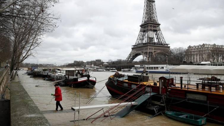 Francia recurre al Ejército por las inundaciones y el Sena sigue subiendo