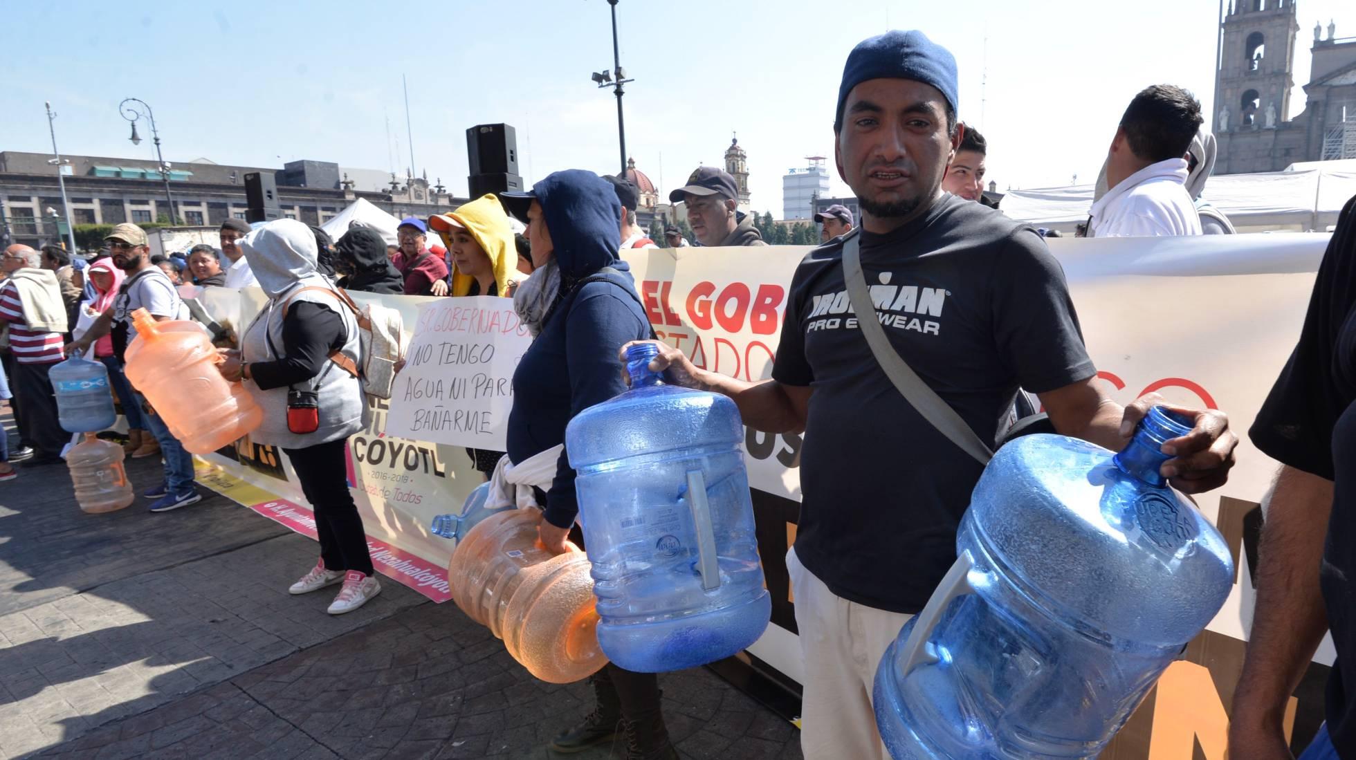 manifestantes por falta de agua