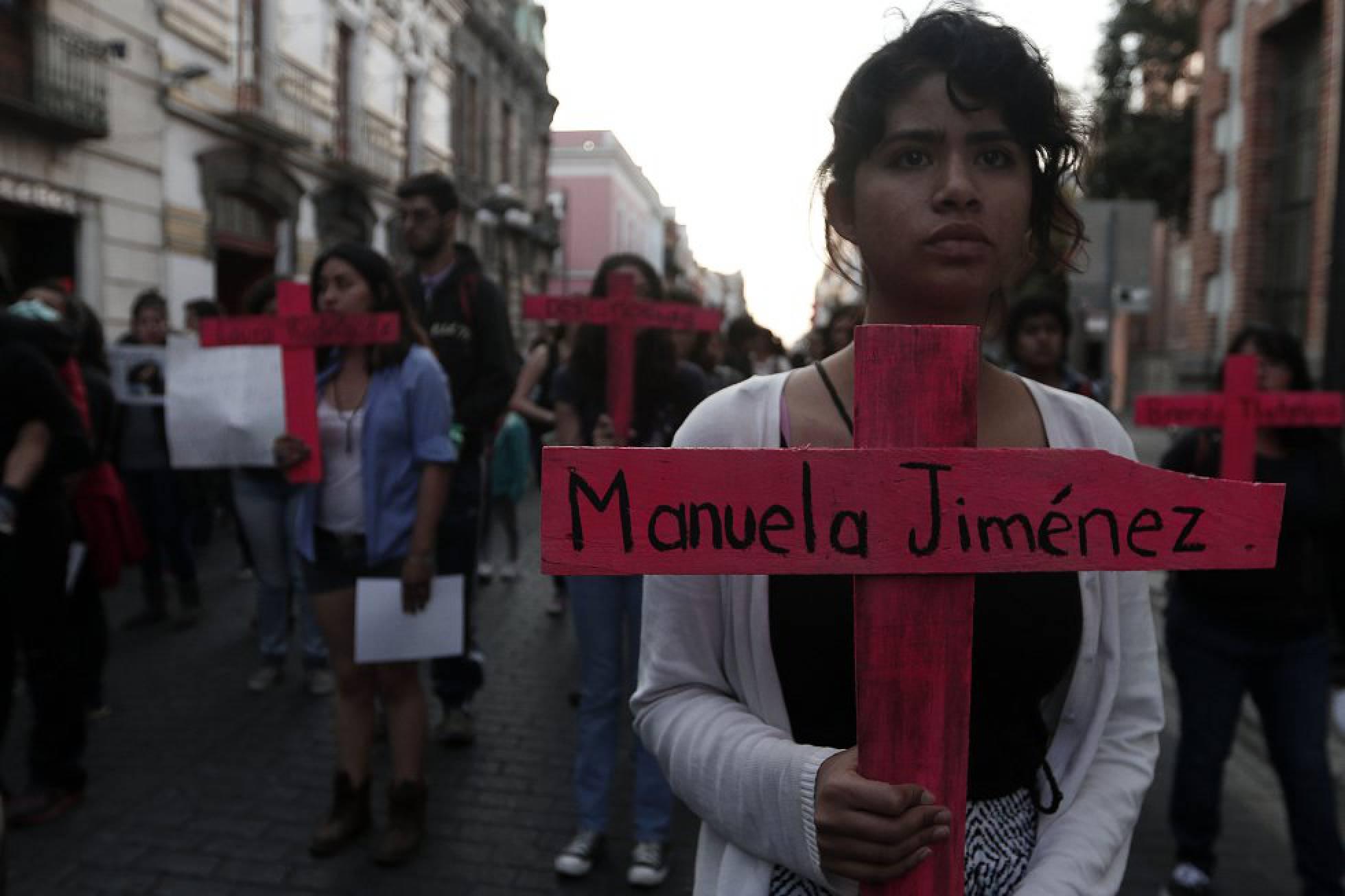 Un expolicía descuartiza y prende fuego a su esposa y a sus dos hijas en el Estado de México