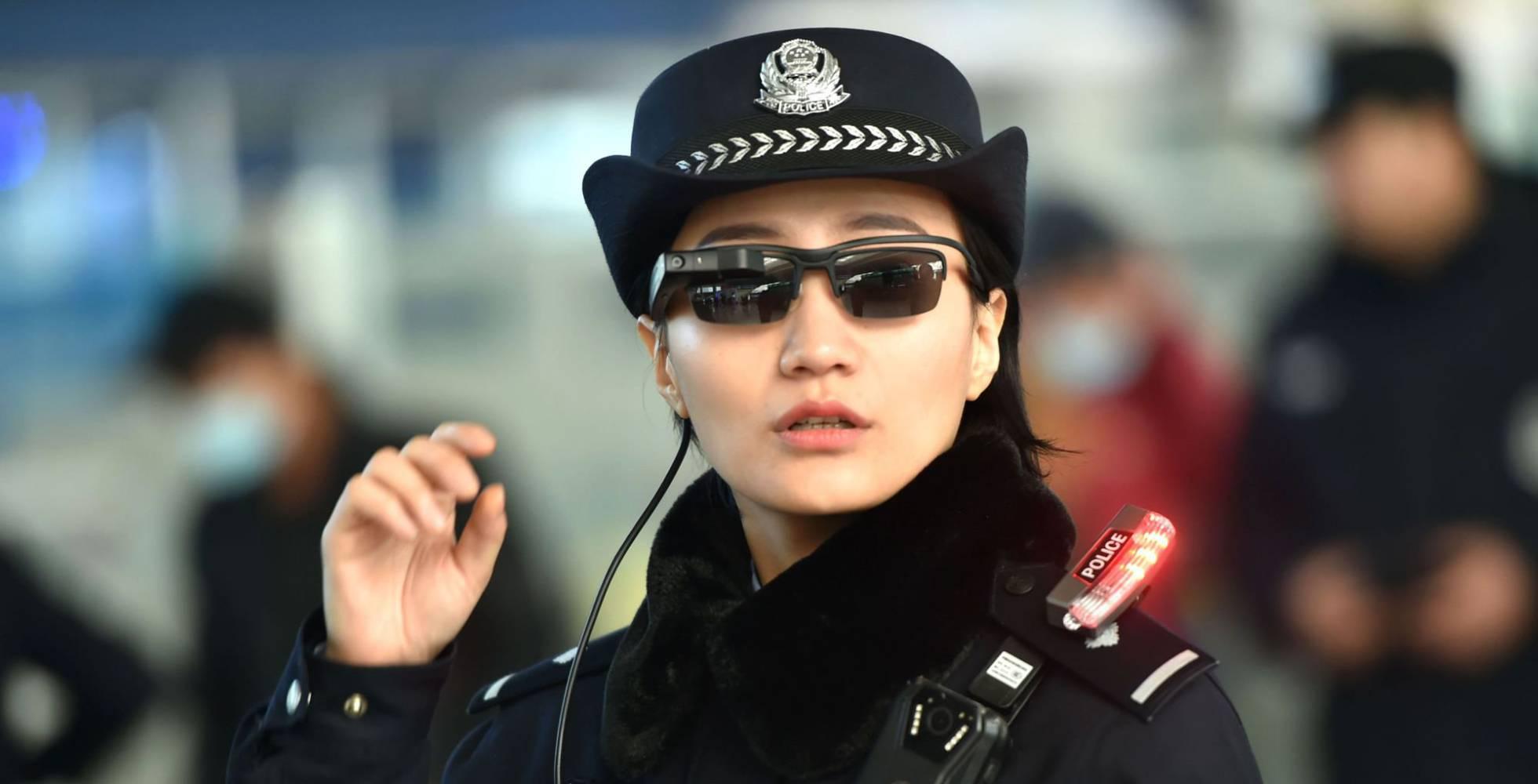 1 agente de policia