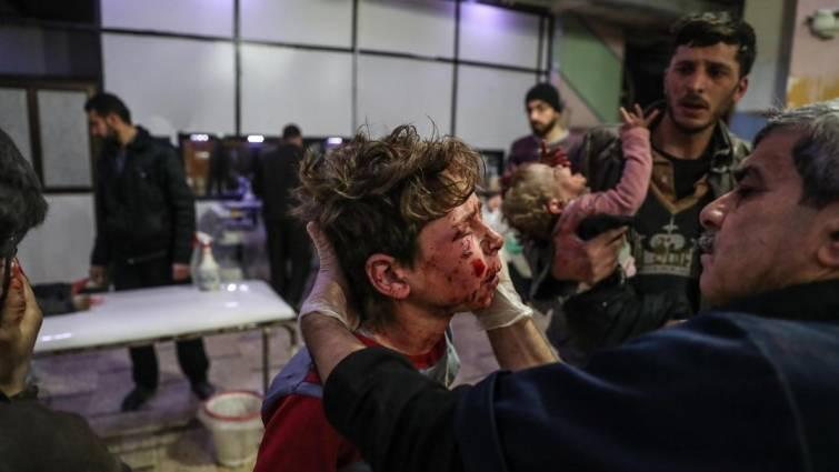 Al menos 50 muertos por ataques aéreos y de artillería cerca de Damasco