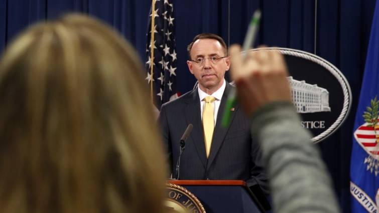 Estados Unidos acusa a 13 rusos de lanzar una «guerra informativa» contra sus comicios