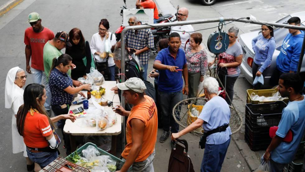 La crisis convierte la yuca y el arroz en la base de la dieta en Venezuela