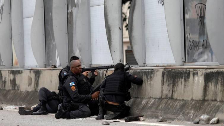 Unos 3.000 militares participan en una megaoperación contra el narcotráfico en Río de Janeiro