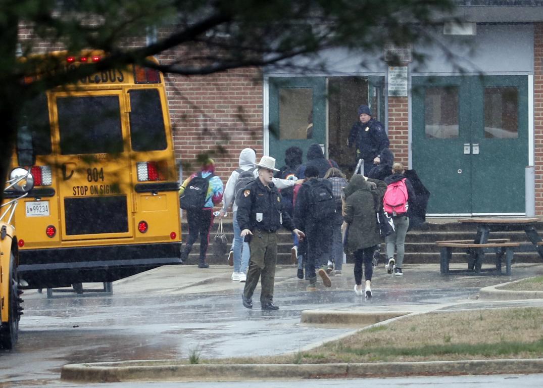 Muere el autor del tiroteo en un instituto de Maryland tras herir a dos estudiantes