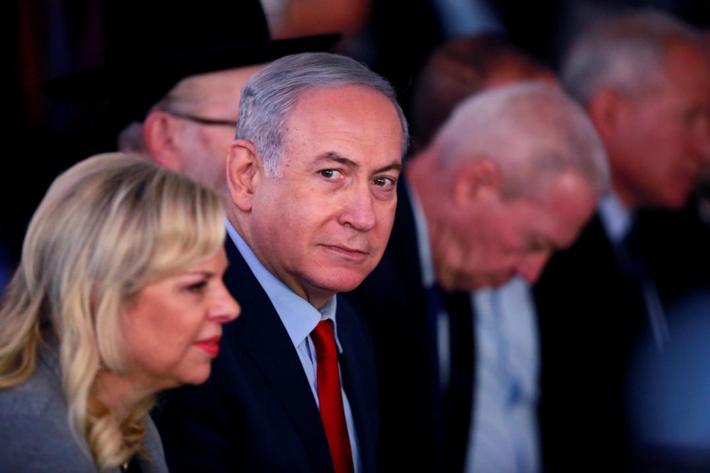 Netanyahu, su esposa y su hijo, interrogados en un caso de corrupción