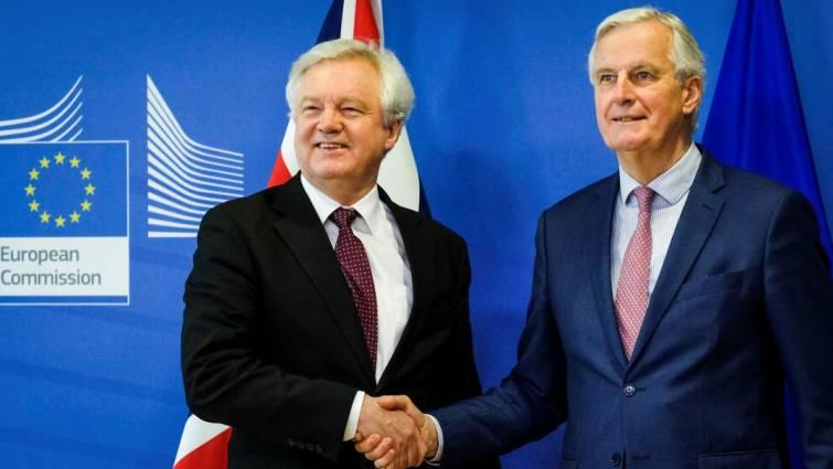 La UE y el Reino Unido acuerdan una transición del Brexit de dos años