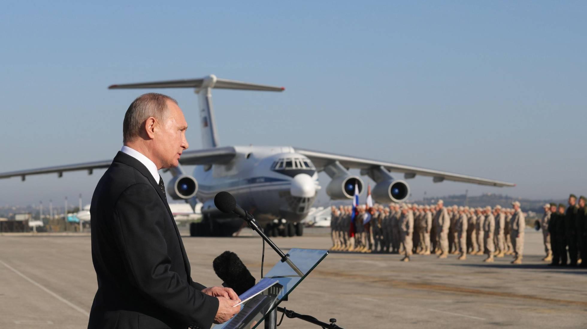 Un avión militar ruso con 39 personas a bordo se estrella en Siria