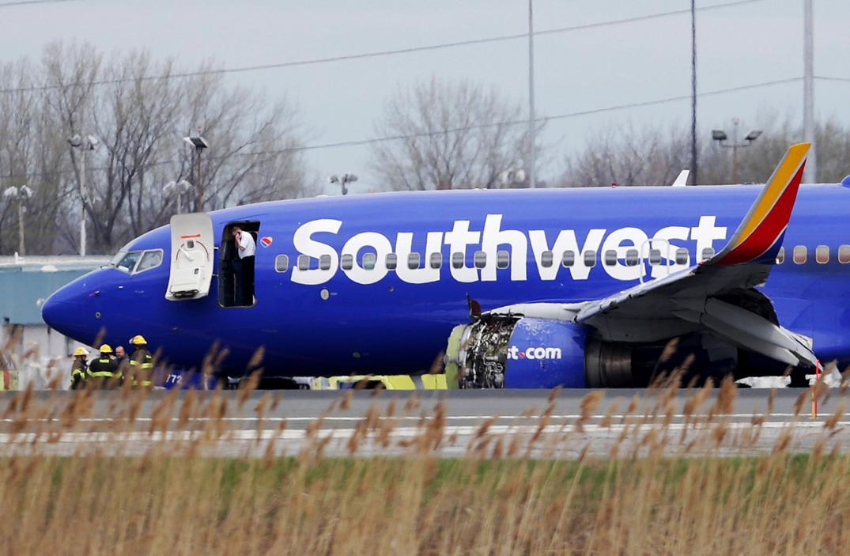 Aterrizaje de emergencia en EE UU al reventar un motor en pleno vuelo