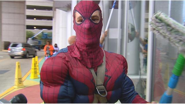 Limpiacristales Spiderman condenado a 105 años por pornografía infantil