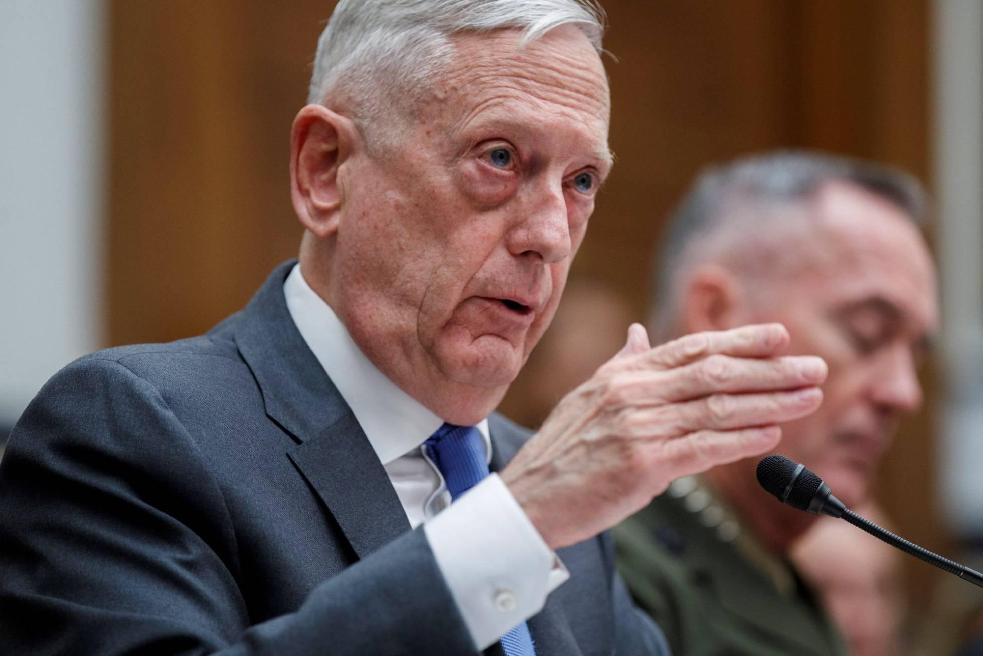 El jefe del Pentágono afirma que aún no se ha tomado la decisión de atacar Siria