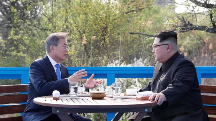 Moon Jae in y Kim Jong un