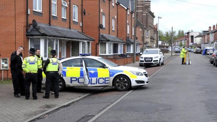 Dos heridos en un atropello frente a un mezquita en Inglaterra