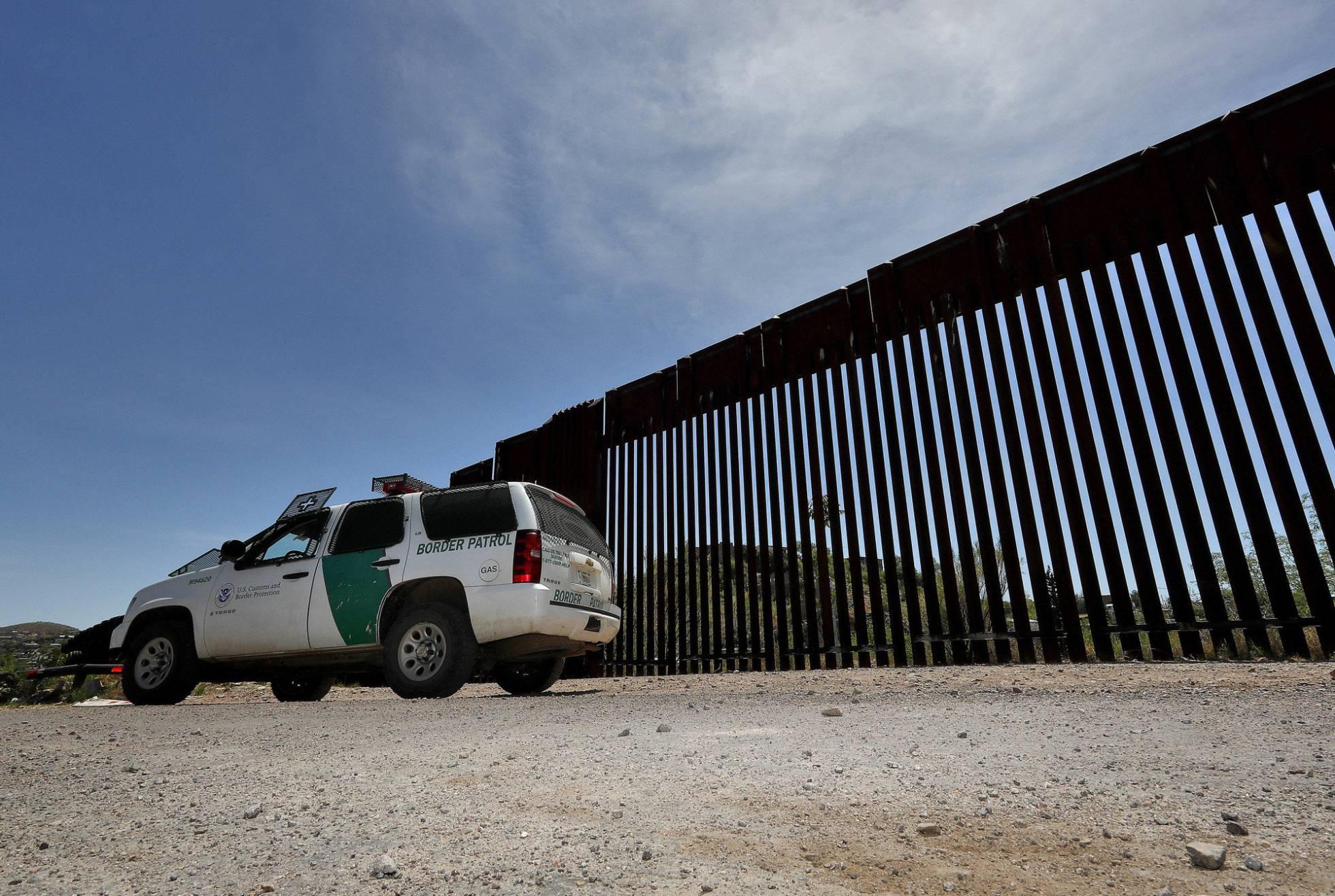 Detenidos en Arizona 59 guatemaltecos que aseguran ser parte de la caravana migrante que irritó a Trump