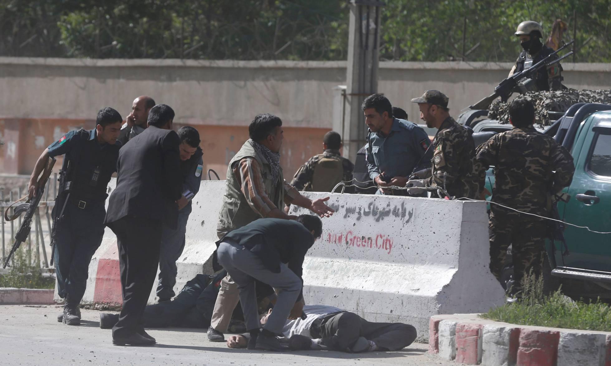 Un doble atentado en Kabul deja 25 muertos, entre ellos 9 periodistas