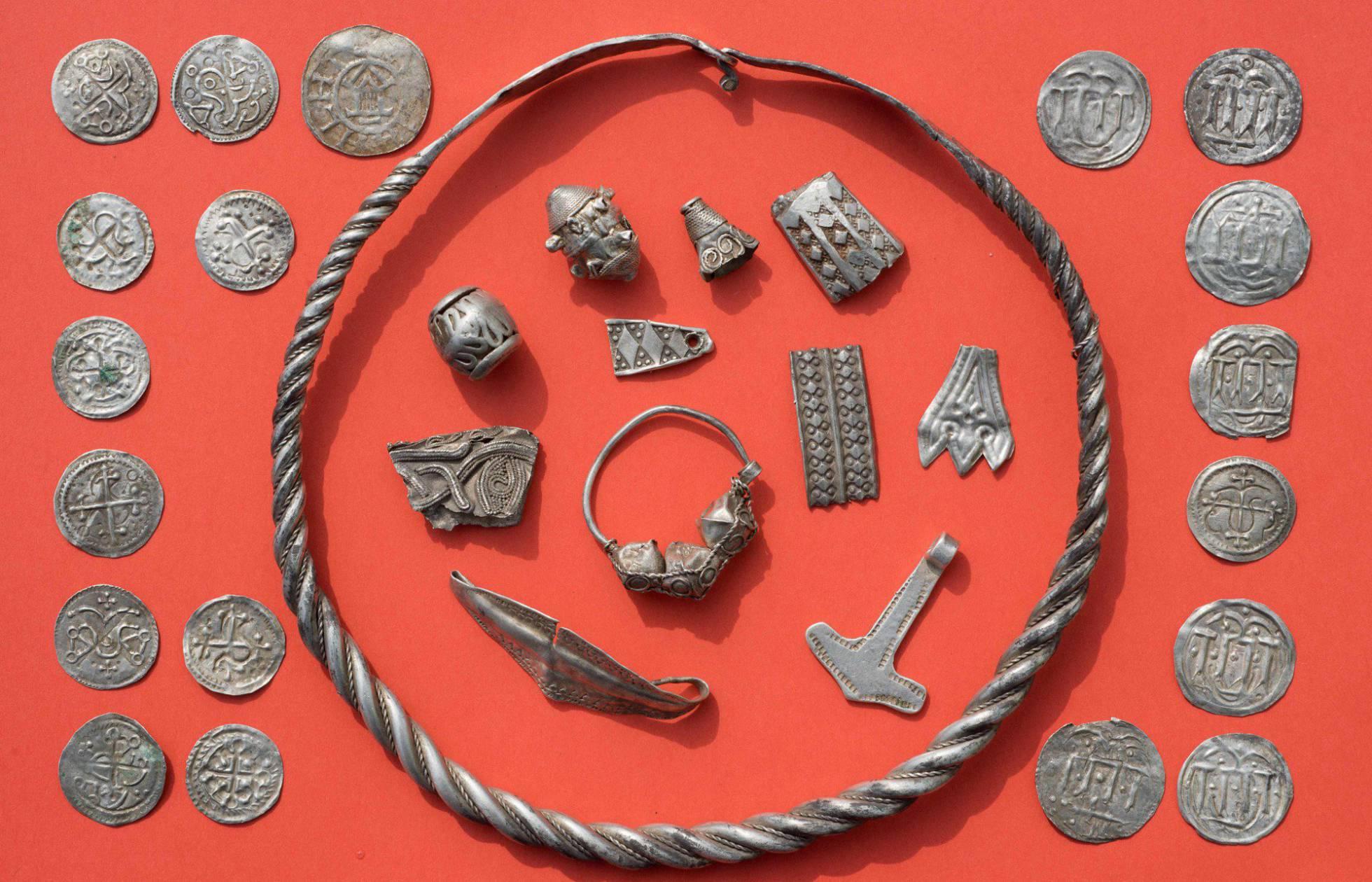 Un adolescente descubre en Alemania un tesoro de un rey vikingo del siglo X