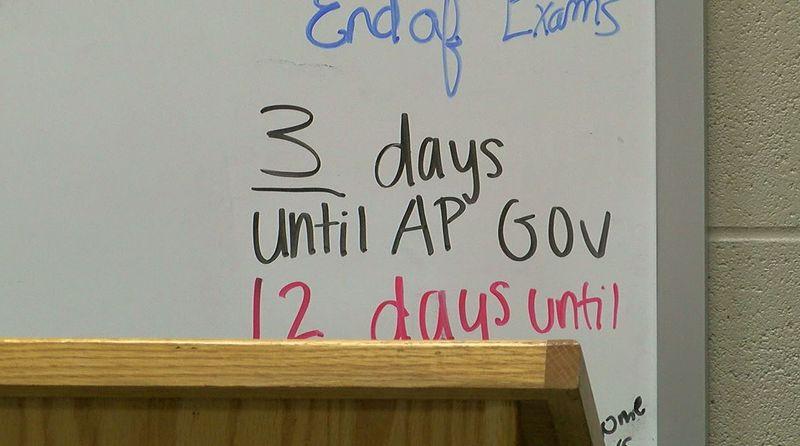 Estudiantes de secundaria de Alabama, se preparan para los exámenes de Ubicación Avanzada