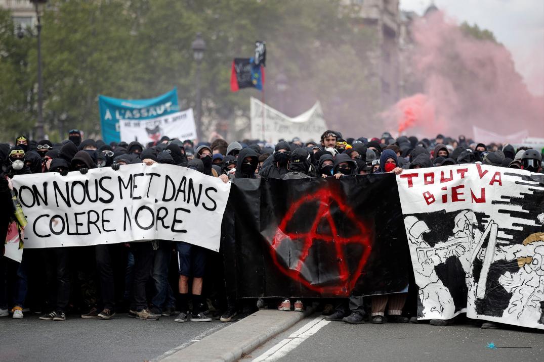 Al menos 200 detenidos en los disturbios en la manifestación en París del Primero de Mayo